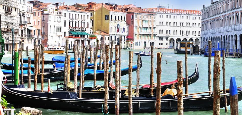 grand canal canaletto rialto gondola venezia venice veneto rondo veneziano italia italy travel hotel luxury art creative commons cc gnuckx panoramio flickr geotag wiki wikipedia