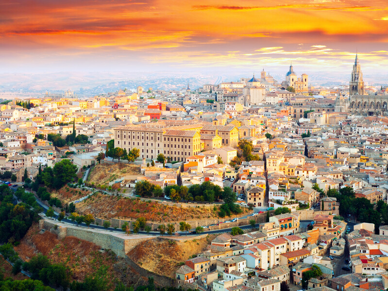 ORSH_Picturesque dawn view of Toledo. La Mancha, Spain_800x600
