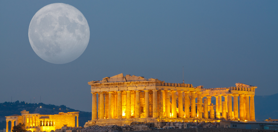 ORSH_Parthenon temple in Acropolis Hill in Athens, Greece shot in blue hour with the moon rising above the sky_800x600