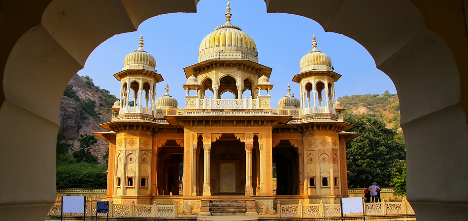 ORSH_Framed view of Royal cenotaphs in Jaipur, Rajasthan, India. They were designated as the royal cremation grounds of the mighty Kachhawa dynasty. - Image_950x450