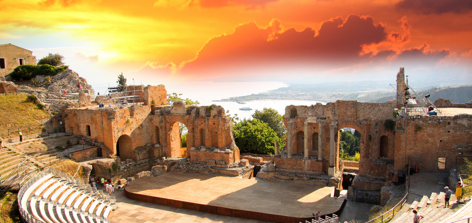 ORSH_Taormina theater in Sicily, Italy_950x450