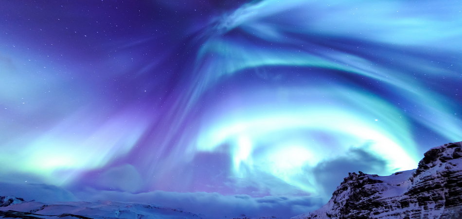 950x450 ORSH_Mountain Kirkjufell and Aurora in Ice