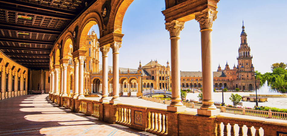950x450 ORSH_Plaza de Espana in Seville, Andalusia, Spain