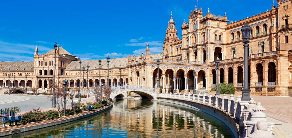 950x450 ORSH_Spanish Square in Sevilla, Spain