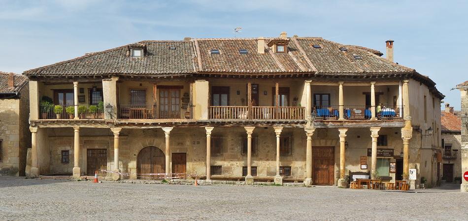 Plaza_Mayor_de_Pedraza._Segovia 950x450 2
