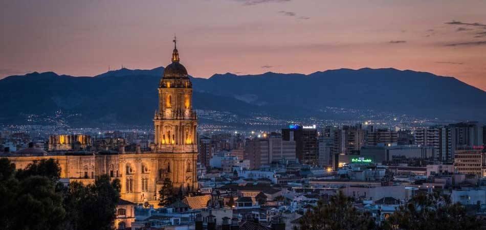 950x4540 Visitar_Catedral_Malaga-950x450